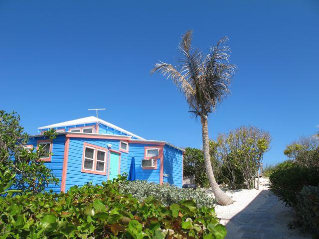 sailloft pathway to beach