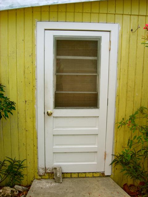 Att låsa en dörr på en liten Bahamasö Bahamasblogg